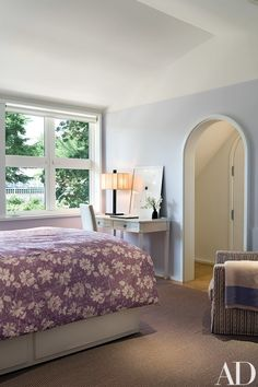 In one of the children's bedrooms—as throughout the house—the architects' placement of the windows affords ideal landscape scenes. The arched doorway leads to a bath. Architectural Digest, Contemporary Cottage, Corporate Interiors, Interior Design Tips, Elle Decor, Home Decor Inspiration, Design Projects, Design Ideas, Interior Architecture