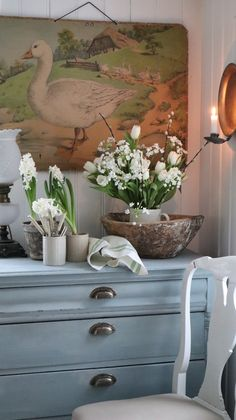 Home Tour In Norway - Collected Vintage Style Shabby Chic Cottage, Cottage Style, Cottage Design, House Design, Design Design, Norway Design, Swedish Decor, Theme Pictures, Vintage Bathrooms