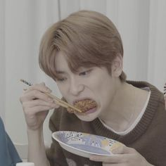 Johnny Seo, Valentines For Boys, Jung Yoon, Jung Jaehyun, Jaehyun Nct, Family Album, Daily Photo, Reaction Pictures, Winwin