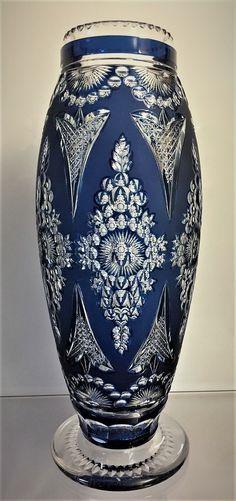 Val Saint-Lambert vase 'Évian' répertorié S/37 - Cristal clair satiné taillé - Joseph Simon - Catalogue Cristaux de Fantaisie 1926 - H 41 cm.