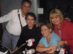 """Con el equipo del programa de radio """"Irreverentes al aire"""" (pasa de lunes a viernes de 9pm a 10pm en 1580am Hmo, Son) Falto el señor productor que nos tomo la foto!!!! muchas gracias por la invitación!!!"""