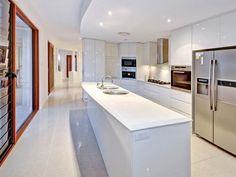 kitchen designs with tiles and splashback