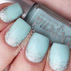 glitter gradient on blue nails