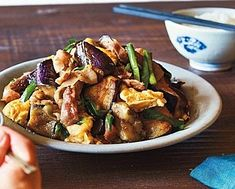 下腹がやせる!10分でつくれる1週間低糖質スープダイエット | サンキュ! Kung Pao Chicken, Food And Drink, Diet, Cooking, Health, Ethnic Recipes, Kitchen, Health Care, Banting
