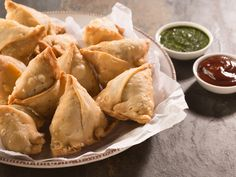 A prevalent Mumbai street food snack is Samosa. Try our easy samosa recipe - It is crispy with filling made from mashed potatoes.
