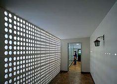 Escola Pública Diamantina Fonte: http://www.arcoweb.com.br/arquitetura/oscar-niemeyer-escola-publica-08-01-2008.html