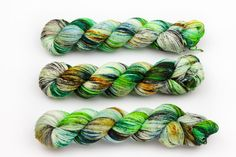 Farbgebung: Grasland - stark gesprenkelt mit vielen Schattierungen von Grün…