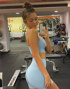 Looks Academia, Summer Body Goals, Corps Parfait, Lily Chee, Cute Workout Outfits, Fitness Inspiration Body, Workout Aesthetic, Gym Girls, Perfect Body
