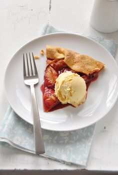 red plum tart and vanilla ice cream