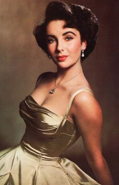 Elizabeth Taylor defined modern celebrity and is considered the last classic Hollywood icon. Elizabeth Taylor Trust and Elizabeth Taylor Estate. Old Hollywood Glamour, Vintage Glamour, Vintage Hollywood, Hollywood Stars, Classic Hollywood, Hollywood Cinema, Hollywood Fashion, Hollywood Actresses, Elizabeth Taylor