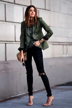 There's no need to ditch the darker colours in your wardrobe just because spring's come around! Erica Hoida shows us how dark colours can be just as stylish for a seasonal look, in a bottle green blazer and skinny black jeans. Blazer: Laveer, T-Shirt: Monrow, Jeans: Asos, Shoes: Stuart Weitzman, Bag: Chloe.