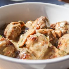 Meatballs with Mushroom Sauce - If you're looking for a quick and delicious dinner idea, give this meatball with mushroom sauce a try.