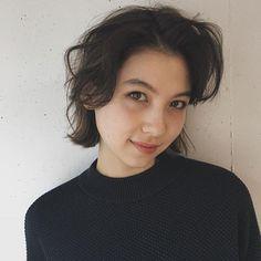スタイリスト:板倉 由紀のヘアスタイル「STYLE No.19894」。スタイリスト:板倉 由紀が手がけたヘアスタイル・髪型を掲載しています。