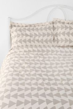 Magical Thinking Triangle Chain Bedding from Urban Outfitters