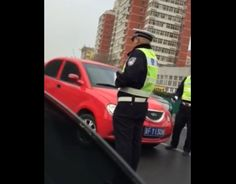Drunk Driver vs Police in China