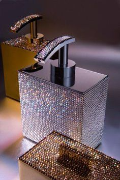Estella Seraphim© Swarovski soap dispenser (You know I probably need one of these.maybe everyone should have a blinged out soap dish) Modern Bathroom Accessories, Home Accessories, Bathroom Modern, Master Bathrooms, Minimalist Bathroom, Small Bathroom, Luxury Bathrooms, Dream Bathrooms, Bathroom Interior