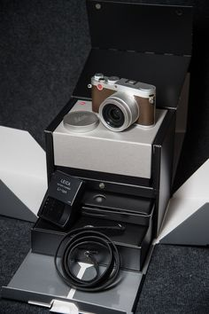 Leica X (Typ113) uncovered