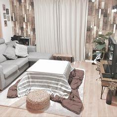xoxoさんの、いいね!フォローありがとうございます☺︎,ニトリのカーテン,カーテン,ウォーターヒヤシンス スツール,セリアのリメイクシート,部屋全体,のお部屋写真