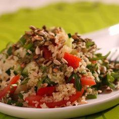 Egy finom Kuszkuszos saláta ebédre vagy vacsorára? Kuszkuszos saláta Receptek a Mindmegette.hu Recept gyűjteményében! Feta, Grains, Rice, Meals, Dressing, Bulgur, Meal, Seeds, Yemek