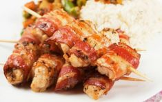 Teriyaki Glazed Bacon Mushroom Pupu Skewers Simple and ono pupu (appetizer) perfect for sitting around the hibachi drinking beers with da b. Beer Recipes, Grilling Recipes, Cooking Recipes, Cooking Tips, Easy Recipes, Bacon No Forno, Hawaiian Appetizers, Bacon Bombs, Bacon Stuffed Mushrooms