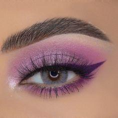 Dark Eye Makeup, Edgy Makeup, Smoky Eye Makeup, Eye Makeup Art, Skin Makeup, Makeup Inspo, Eyeshadow Makeup, Makeup Ideas, Disney Eye Makeup