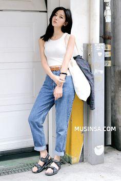 White with jean Korean Fashion Winter, Korean Fashion Summer, Korean Fashion Men, Japanese Street Fashion, Asian Fashion, Girl Fashion, Fashion Outfits, Fasion, Style Fashion