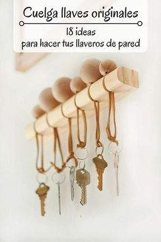 Cuelga llaves originales - Pinterest Woodworking Projects Diy, Woodworking Plans, Diy Wood Projects, Wood Crafts, Home Decor Paintings, Love Seat, Bobby Pins, Projects To Try, Easy Christmas Crafts
