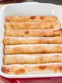 Appeltaart tortilla's: dit valt te veganizen! Apple Recipes, Sweet Recipes, Cake Recipes, Dessert Recipes, Tapas, Tortillas, Sweet Bakery, Snacks Für Party, Happy Foods