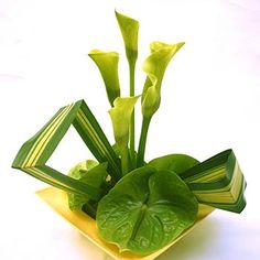 simple flower arrangement ideas | Innovative design of stunning beauty.