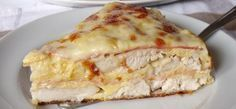 Hearty chicken pie with ham and cheese Ham And Cheese, Quiche, Curry, Food And Drink, Low Carb, Appetizers, Healthy Recipes, Cooking, Breakfast