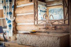 #Steinwaschbecken im #Vintage-Look - urbanes Wohngefühl in jedem Raum der #Bärenhütte.