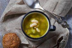 Receta de sopa de verduras y alubias | Demos la vuelta al día