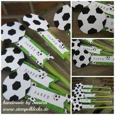 Kleine Geschenktüten im Fußball-Look