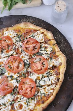 Thin Crust Margharita Pizza @yourhomebasedmom.com
