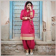 Best Trendy Outfits Part 11 Punjabi Girls, Punjabi Dress, Punjabi Suits, Patiala Salwar Suits, Punjabi Models, Trendy Suits, Designer Salwar Suits, Designer Dresses, Beautiful Suit