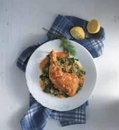 Chicken, spinach and tomato stew - www. Spinach Stuffed Chicken, Greek Recipes, Family Meals, Stew, Food And Drink, Meat, Cooking, Healthy