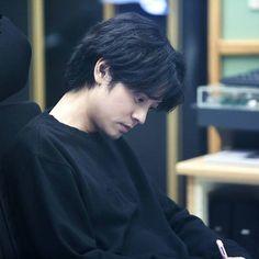 Jung Joon Young, Happy Pills, Korean Singer, Celebrities, Bbq, Asia, Restaurant, Goals, Fluffy Kittens
