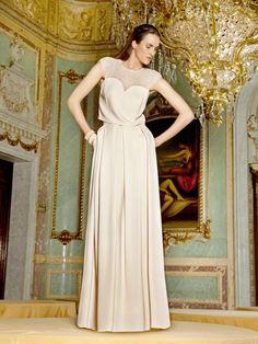 Apuesta por una falda larga para ir de boda
