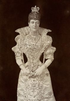 Lafayette Studios Cabinet Card: 2-3 July 1897, Alexandra, Princess of Wales, later Queen Alexandra (1844-1925), as Marguerite de Valois at the Devonshire House Fancy Dress Ball. Her costume was made by French dressmakers, Morin-Bloissier.