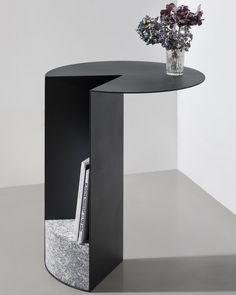 "db - design bunker on Instagram: ""Pac Table by @klemens_schillinger #table #pac #furniture #sidetable #industrialdesign #furnituredesign #productdesign #homedecor…"" Metal Furniture, Salon Furniture, Unique Furniture, Industrial Furniture, Table Furniture, Furniture Design, Granite Table, Side Tables, Multipurpose Furniture"