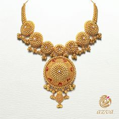 Crafted to mirror the seven promises of marriage, this gold necklace with the pearl inlay is the perfect piece of jewellery for an Indian Bride! #Azva #WeddingVows #BridalGold