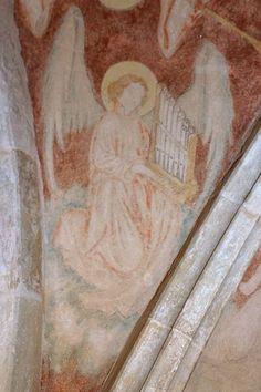 Kouřím - kostel sv. Štěpána, freska anděla na klenbě kaple sv. Kateřiny