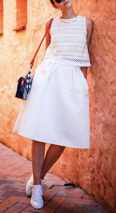 what to wear with white sneakers : bag + white top + midi skirt