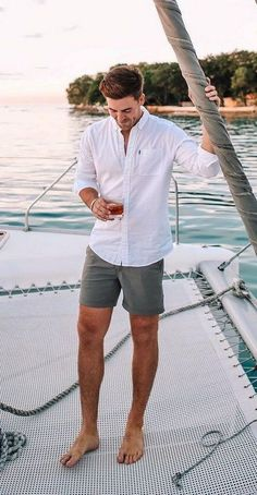 Summer Outfits Discover 35 Cool Simple and Fun Mens Casual Outfits For Summer Street Style Ideas Summer Outfits Men, Stylish Mens Outfits, Short Outfits, Casual Outfits, Casual Boots, Men's Summer Clothes, Casual Dresses, Summer Shorts, Guy Summer Outfits