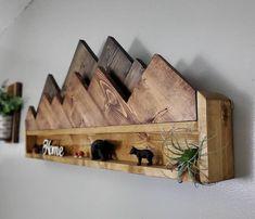 Rustic Wall Shelves, Rustic Walls, Rustic Wall Decor, Rustic Bedrooms, Rustic Wood Crafts, Rustic Art, Display Shelves, Wooden Wall Art, Wooden Walls