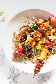 Teriyaki Grilled Chicken and Veggie Rice Bowls. Grilled juicy sweet pineapple, smokey chargrilled chicken and sticky sweet teriyaki sauce. Best Chicken Recipes, Whole Food Recipes, Dinner Recipes, Healthy Recipes, Simple Recipes, Delicious Recipes, Veggie Rice Bowl, Rice Bowls, Chargrilled Chicken