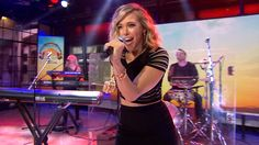 Rachel Platten belts out her 'Fight Song' anthem