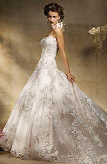 Brides: Amalia Carrara :  258