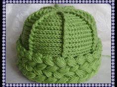 Вяжем крючком - шапочка с отворотом из пышных столбиков | sombreros, bufandas, Snudy | Postila
