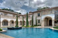 $10,000,000 will get you this Italian inspired River Oaks estate. With over 11,000 square feet, this home is under 1,000/sq ft.